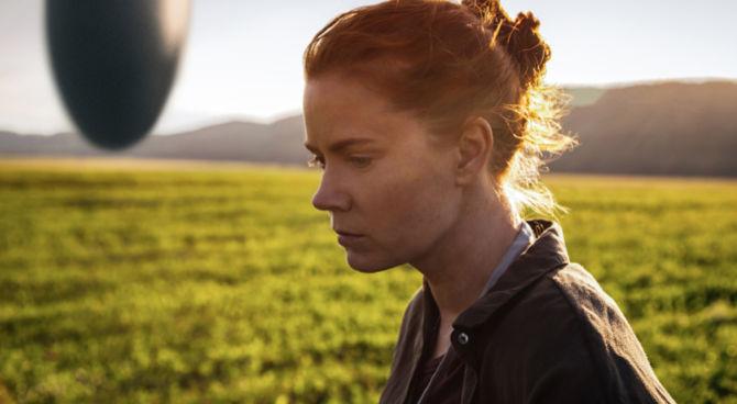 Arrival, il teaser trailer dello sci-fi con Amy Adams e Jeremy Renner
