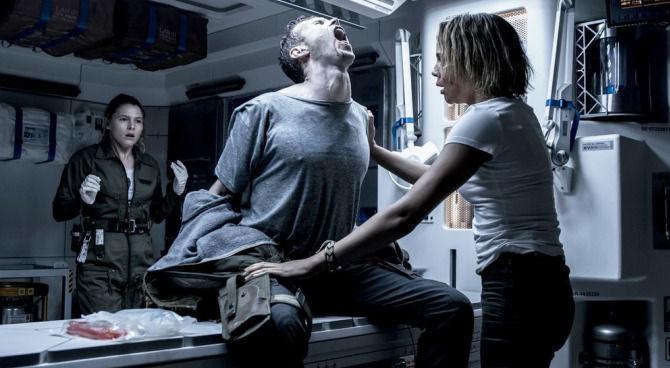 I tre nuovi trailer di 'Alien: Covenant' sono terrificanti