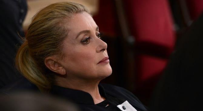 Catherine Deneuve si scusa e chairisce la sua idea sulle molestie