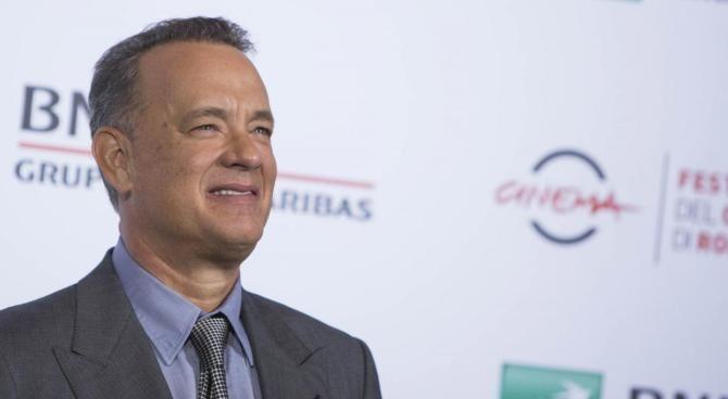 Mattarella saluta Tom Hanks e Raggi alla festa del cinema di Roma